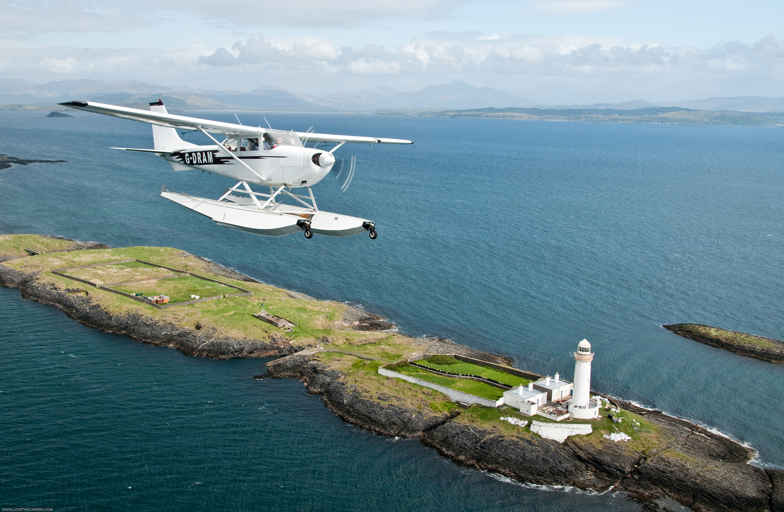 Round-Scotland disabled flying relay takes to the air