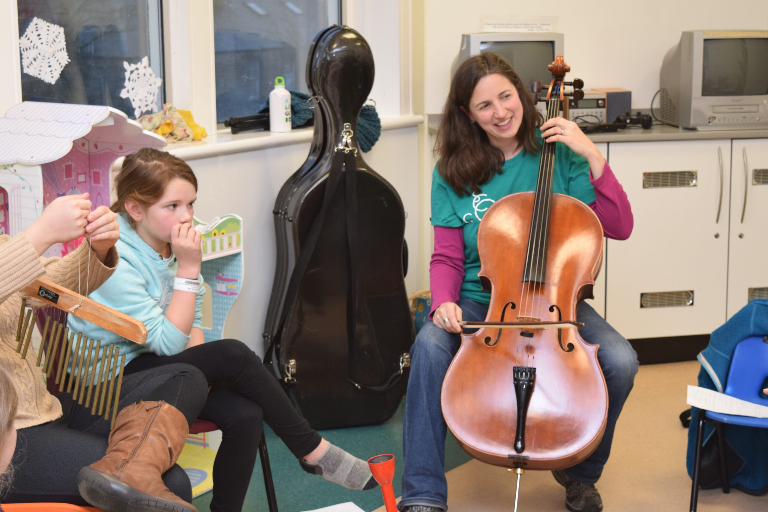 Children's Ward Uses Music To Relax And Entertain Young Patients