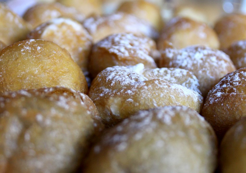 Christmas food - Buñuelo